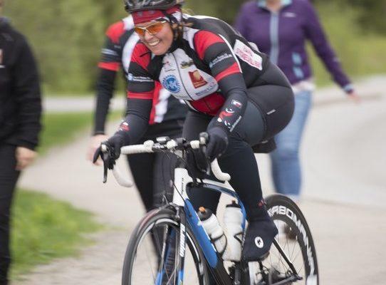 Sykkelrittet samlet drøyt 60 deltakere og gikk fra Korgen til Hemnesberget og tilbake. De sprekeste tok turen to ganger, totalt 116 kilometer.